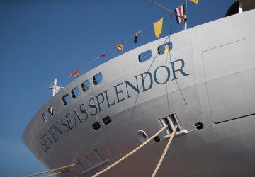 Detalle de la proa del Seven Seas Splendor
