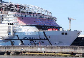 El Wonder of the Seas toca el agua por primera vez