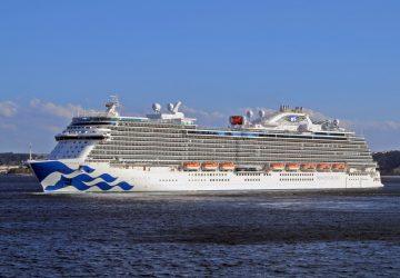 Primera escala del Sky Princess en A Coruña